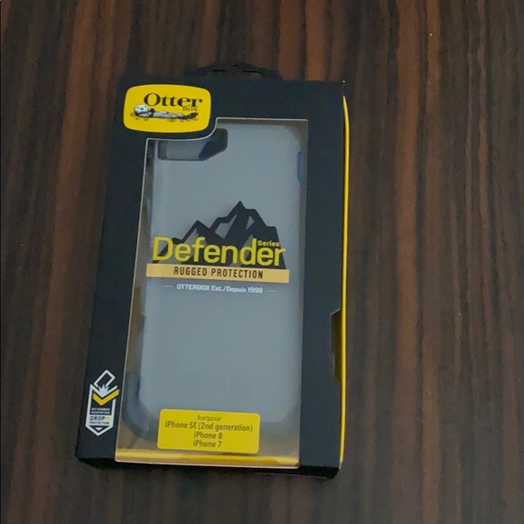 BRAND NEW never before used otterbox defender case
